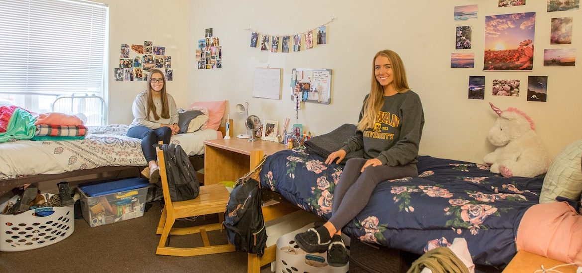 rowan university freshmen in Magnolia Hall